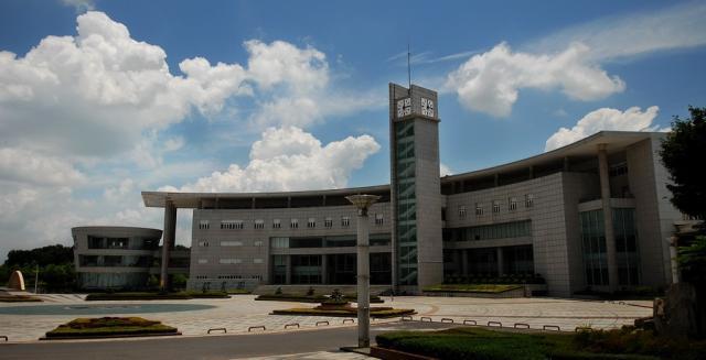 湖北经济学院潘倩_湖北经济学院学生宿舍